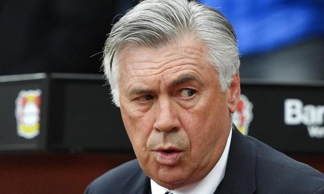 أنشيلوتي يستهدف إبرام صفقة من برشلونة