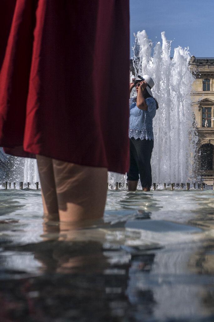 الحر في ازدياد.. درجة الحرارة في باريس تبلغ 41 درجة مئوية
