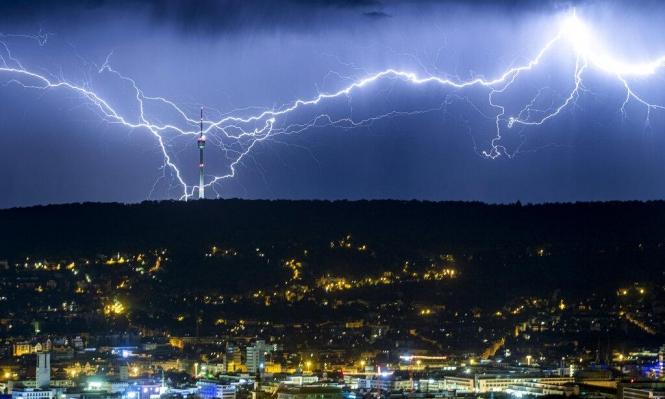 إيطاليا: العواصف والأمطار الغزيرة تودي بحياة ثلاثة أشخاص
