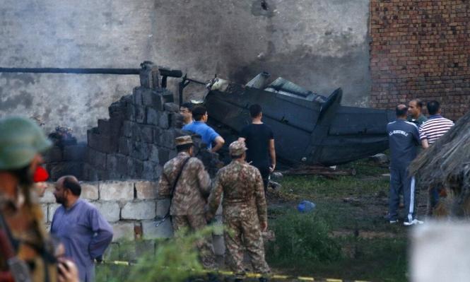 17 قتيلا بتحطم طائرة عسكرية باكستانية بحي سكني