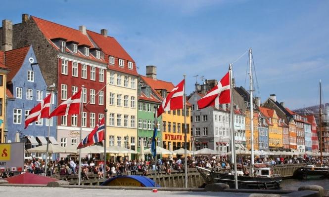 الدنمارك تعلن عن استعدادها لتوطين لاجئين