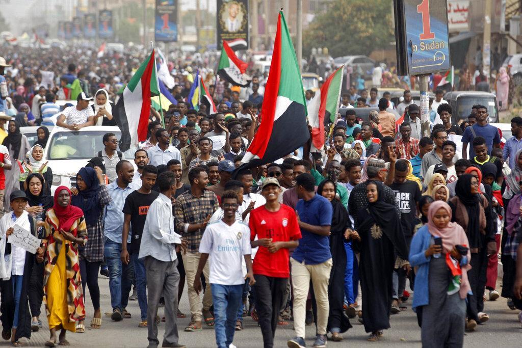 مقتل 4 سودانيين في إطلاق رصاص على متظاهرين