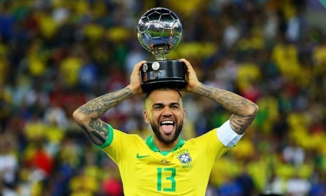 ألفيس ينتقل للعب في الدوري البرازيلي