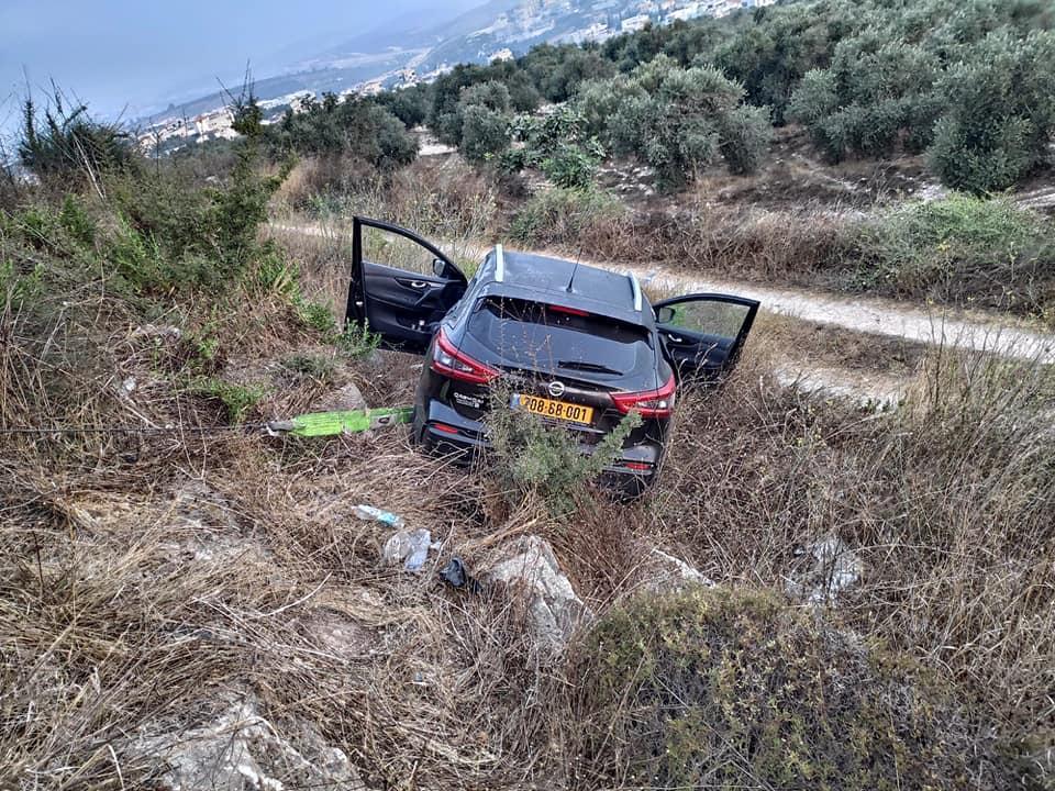 الناصرة: إصابة امرأة بانقلاب سيارتها