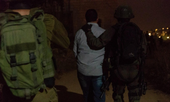 اعتقال 12 فلسطينيا بالضفة والقدس