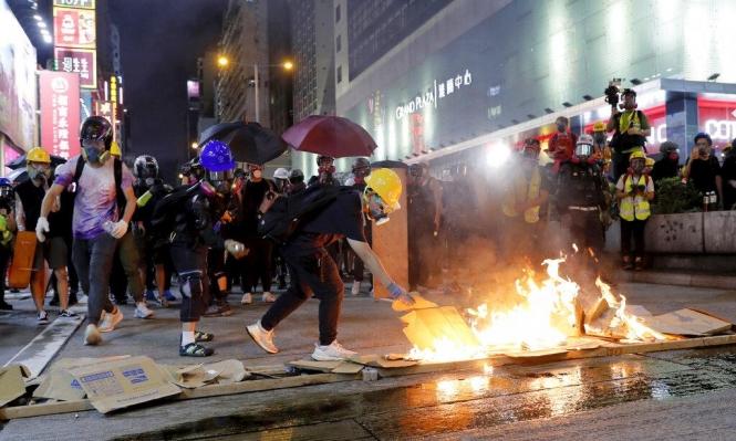 اعتقالات بهونغ كونغ مع تواصل الاحتجاجات وتجدد الاشتباكات