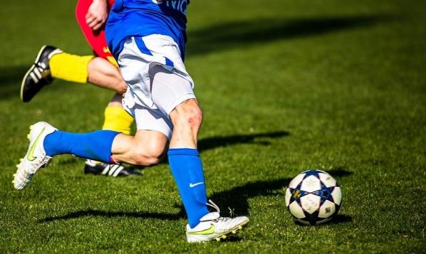 دوري كرة القدم بالضفة وغزة مهدد بالإلغاء!