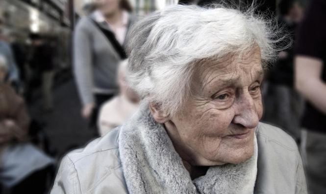 ضغوط الحياةتزيد فرص إصابةالنساء بالزهايمر