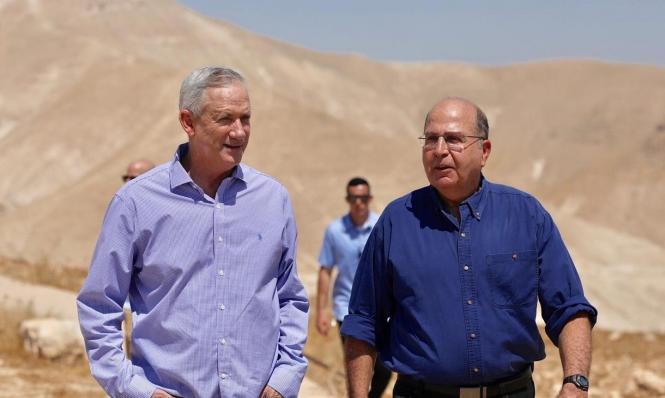 """خبراء ينفون تصريحات غانتس: """"لا أهمية إستراتيجية إسرائيلية للأغوار"""""""