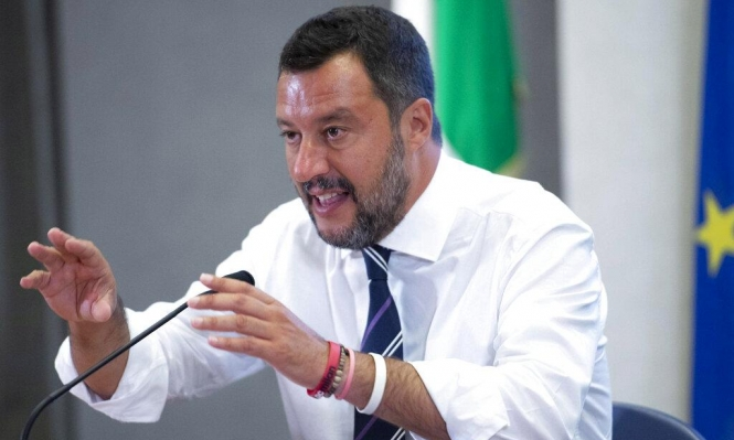 سالفيني يفتعل أزمة مفاجئة: الغموض يلف المشهد السياسي في إيطاليا