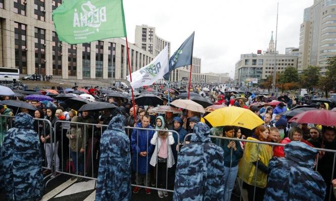 روسيا: آلاف المتظاهرين يحتشدون بموسكو دعما لانتخابات حرة