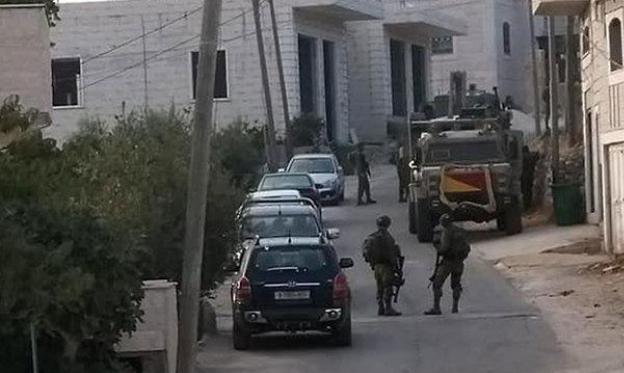 """الخليل: اعتقالات في بيت كاحل بشبهة العلاقة بعملية """"غوش عتصيون"""""""