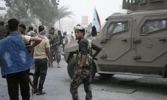 """استهداف مطار """"أبها"""" السعودي بمسيرات الحوثي"""
