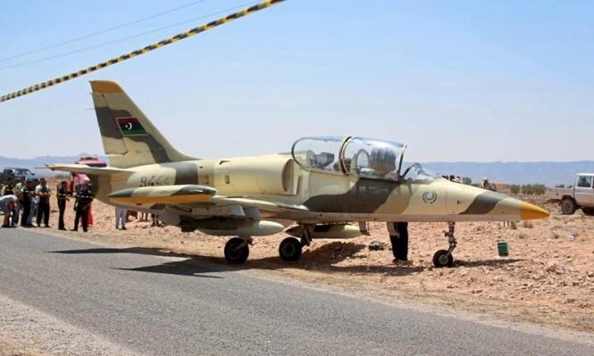 قتيل وجرحى بقصف طيران حفتر لمطار العاصمة الليبية