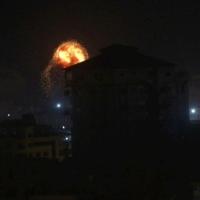 غارات إسرائيلية على غزة وإطلاق قذيفة باتجاه بلدات إسرائيلية