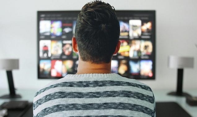 لصحّتكم: لا تشاهدوا حلقات مسلسلاتكم دفعةً واحدة!
