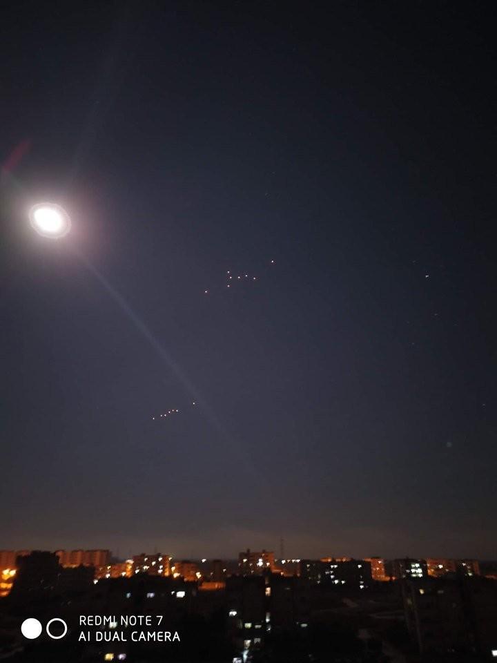 صورة تداولها ناشطون للمضادات الجوية السورية (تويتر)