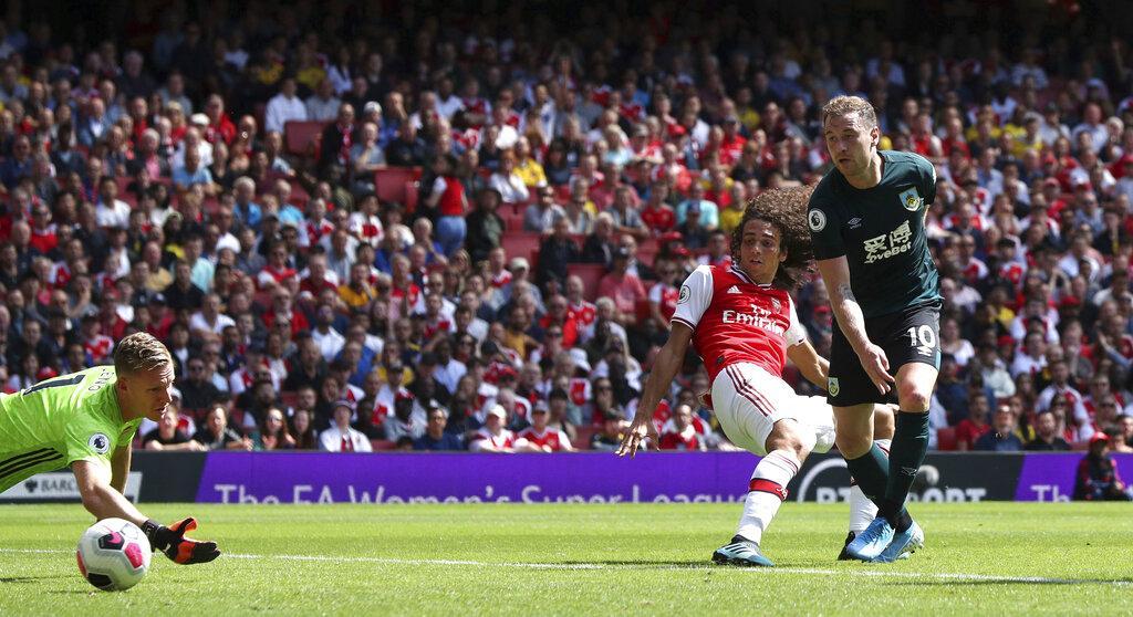 آرسنال يهزم بيرنلي بهدفين مقابل هدف