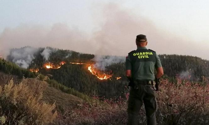 إجلاء 4 آلاف شخص من كبرى جزر الكناري نتيجة تفشي حريق الغابات
