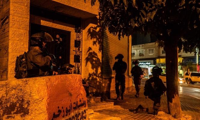 اعتقالات بالضفة ومطاردة عشرات العمال الفلسطينيين بالداخل