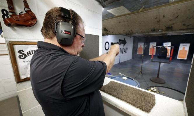 استطلاع: 90% من الأميركيين يؤيدون تشديد قوانين حيازة الأسلحة