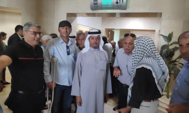 رفض طلب الشرطة إبعاد الشيخ الطوري ونجله عن العراقيب