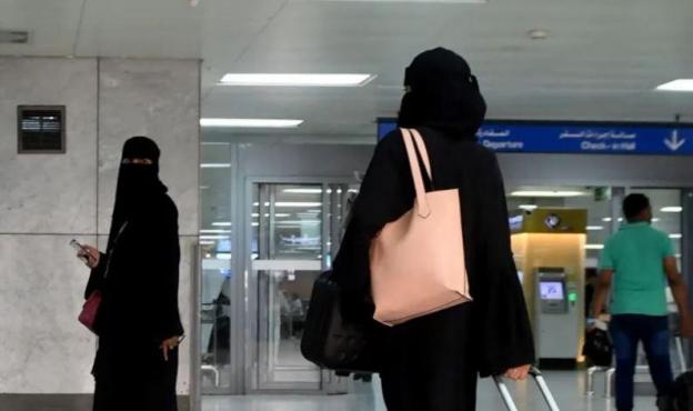 السعودية: #لا_ولاية_على_سفر_المرأة... وألف امرأة تغادر!