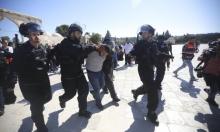 اعتقال ثلاثة مقدسيين وحارس من المسجد الأقصى