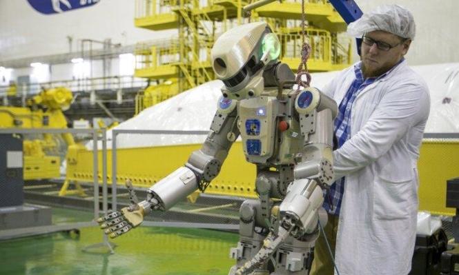 الروبوت فيدور أول رجل آلي شبيه بالإنسان يُرسَل للفضاء