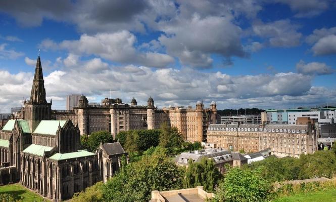 """جامعة غلاسكو البريطانية تقر باستفادتها من العبودية وتتعهد بـ""""التعويض"""""""