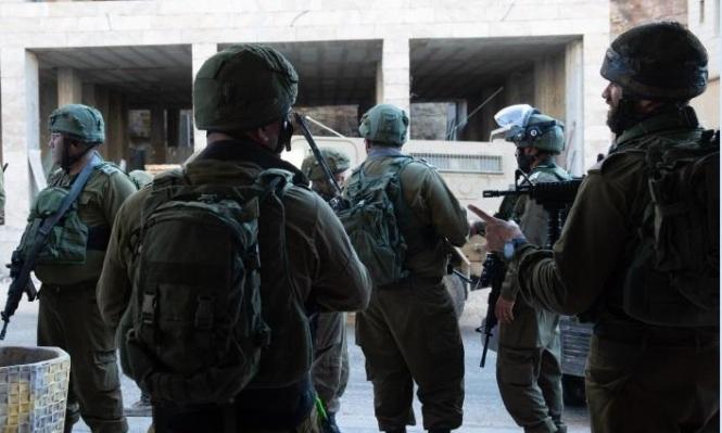 اعتقال 22 فلسطينيا بالضفة واستدعاء خطيب الأقصى للتحقيق