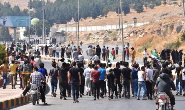 غضبًا من صمت أنقرة: آلاف السوريين حاولوا اقتحام الحدود التركية