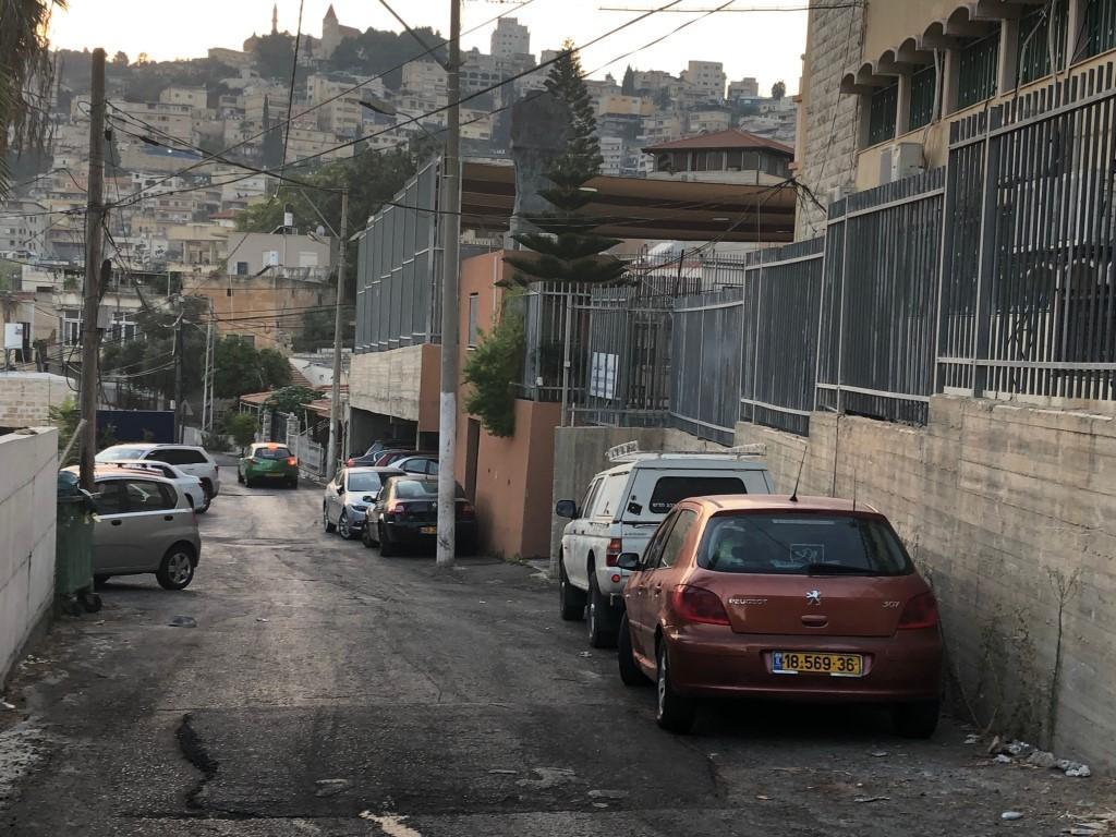 من الأزمة المروريّة في الحي (عرب ٤٨)