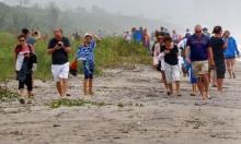 """الناس في أميركا يتركون الأماكن التي يُهدّدها الإعصار """"دوريان"""""""
