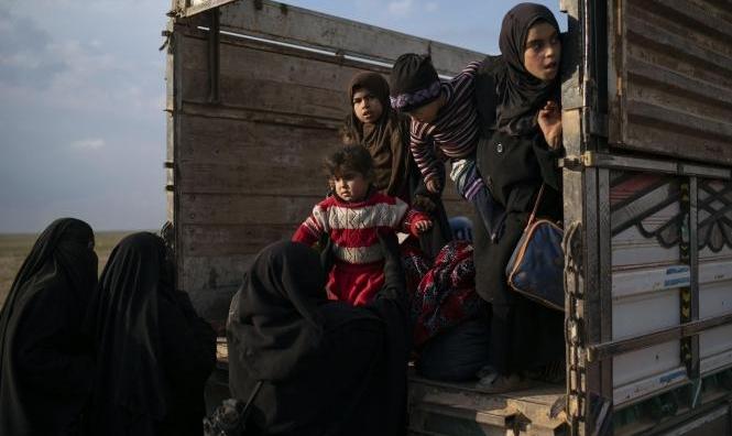 """مساعٍ لإيجاد صيغة توافقية لأزمة عائلات """"داعش"""" بالعراق"""