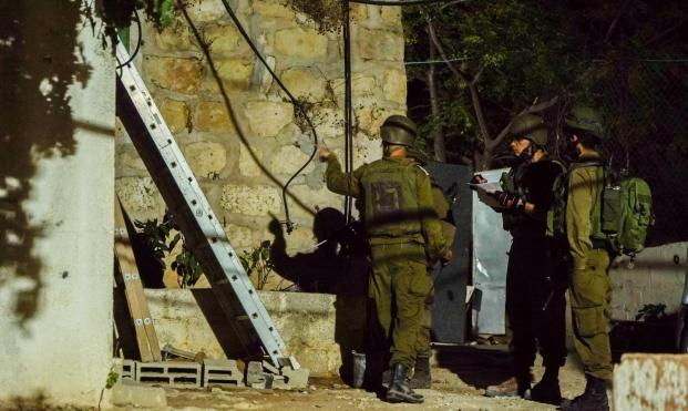 اعتقال 7 فلسطينيين بالضفة واعتداءات للمستوطنين بنابلس