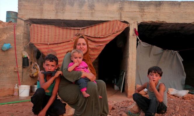 سورية: أسرة نازحة تترقّب الشّتاء خائفةً من جرف ملاذها
