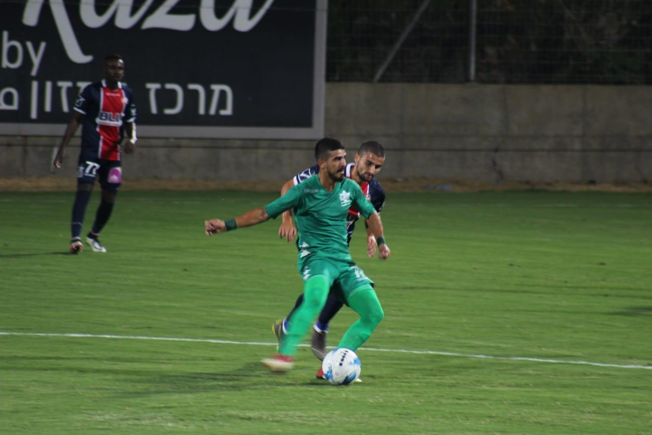 أخاء الناصرة يحقق فوزه الأول في الدوري