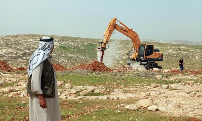 الاحتلال يجرف مئات الدونمات بالأغوار