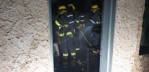 يركا: إضرام نار متعمد في مبنى سكني