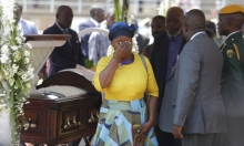 دفن موغابي بعد شهر... بنصب مهيب!