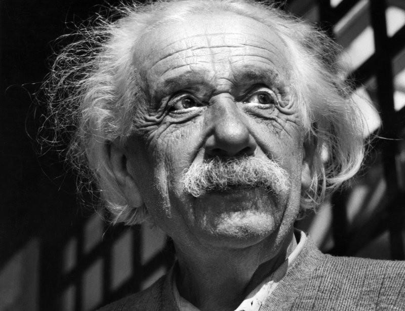 أينشتاين: الخيال أكثر أهميّة من المعرفة (أ ب)