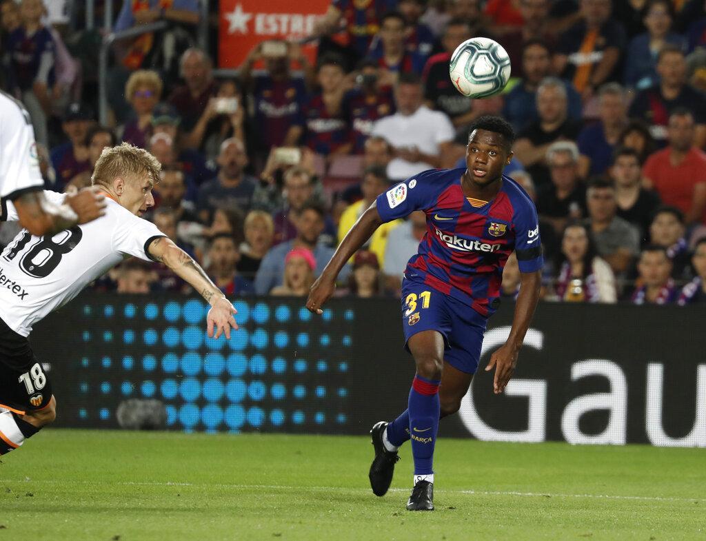 برشلونة يسحق فالنسيا بخماسية مقابل هدفين