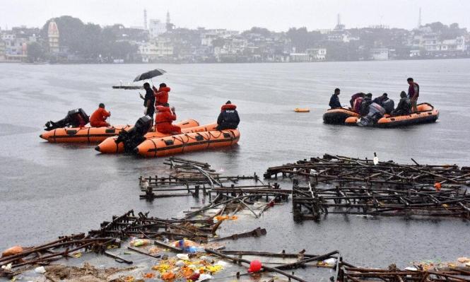 حوادث الهند: مصرع 12 شخصا وفقدان 25 في انقلاب قارب