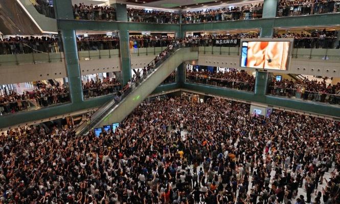 مواجهات جديدة عنيفة في هونغ كونغ