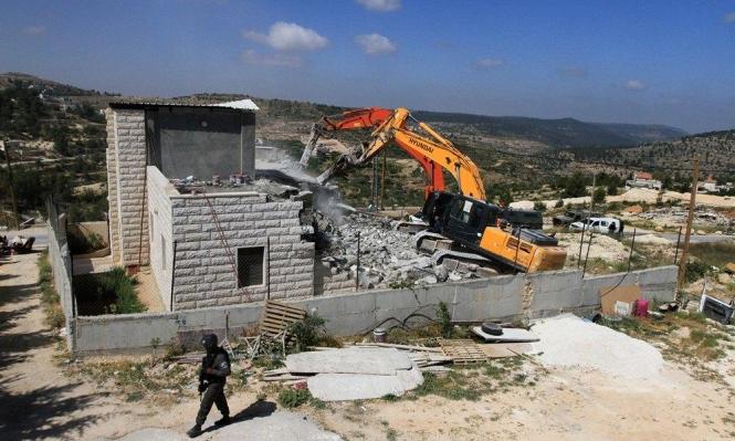 اعتقال 19 فلسطينيا بالضفة وهدم منزل ومنشآت زراعية بالولجة