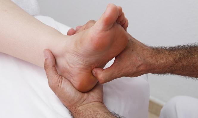 7 أسباب خطيرة لتورّم القدمين... متى نتوجّه للطّبيب؟