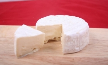 تناول الأجبان يوميا يحمي الأوعية الدموية من الأمراض