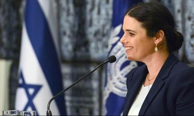 """خلافا لتصريحات نتنياهو: شاكيد لم توافق بعد على """"كتلة اليمين"""""""