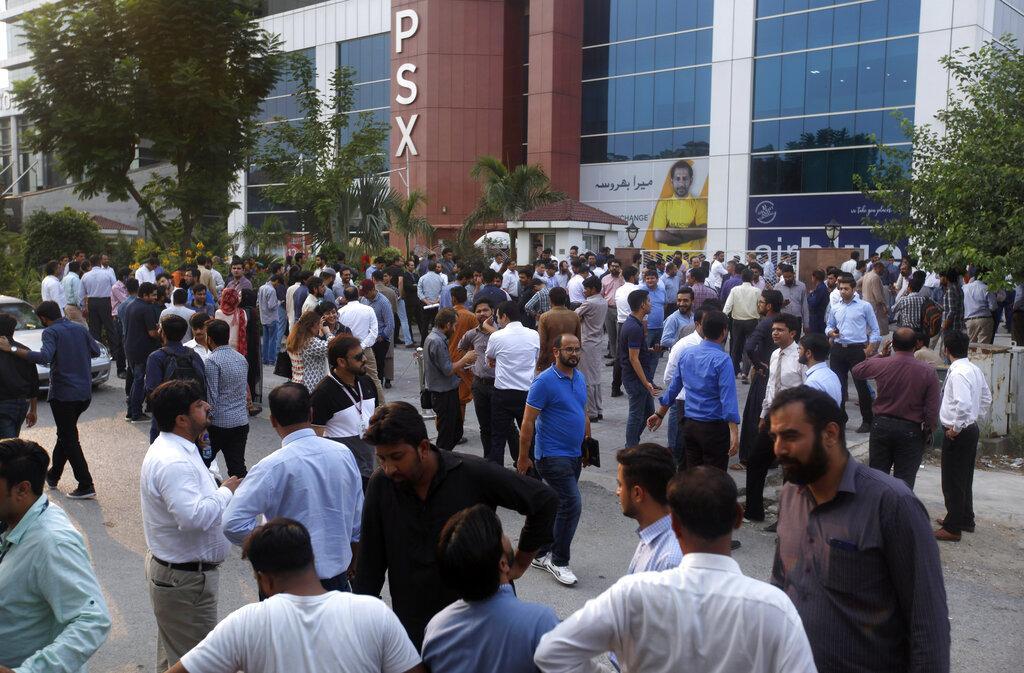 19 قتيلاً على الأقل في زلزال ضرب باكستان